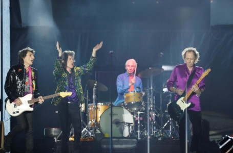 Rockin 'n' rollin on Mars: Rolling Stones have space rock named after them